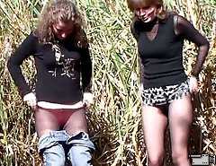 A couple of amateurs spycamed pissing