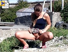 Pissing show done on camera by a hot country girl