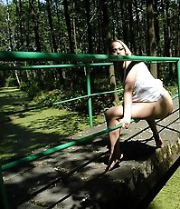 Delicious blondie pisses up a storm in the woods